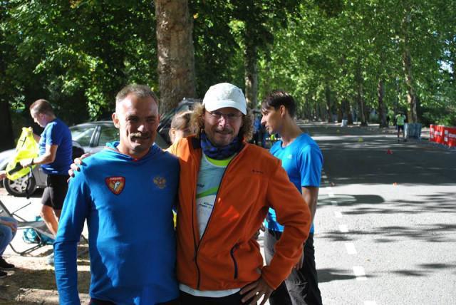 Le Russe Osipov avec le vainqueur des 28H David Vandercoilden