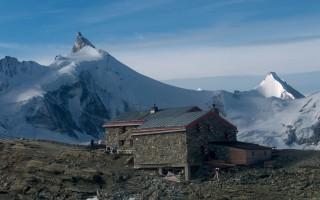 Mountain hut tour